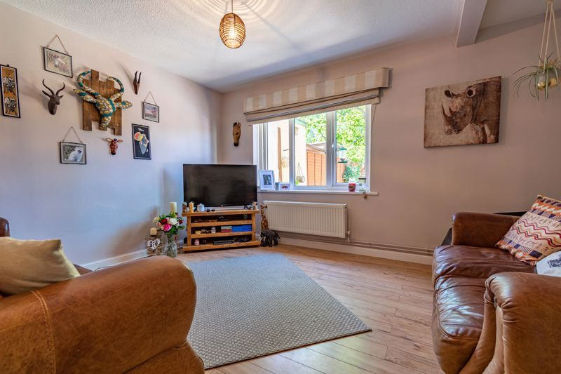 3 bed house to rent in Mordiford Close 2