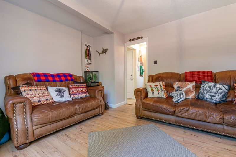 3 bed house to rent in Mordiford Close 3