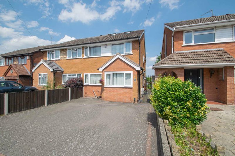 3 bed house for sale in Brook Street  - Property Image 1