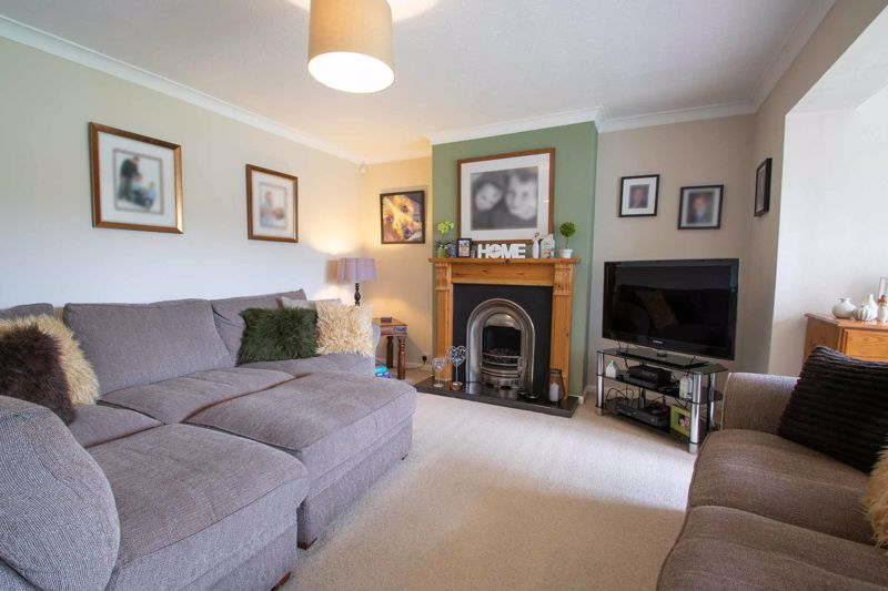 3 bed house for sale in Brook Street 2