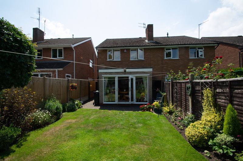 3 bed house for sale in Brook Street 13