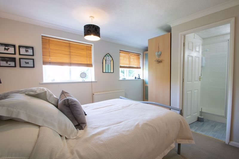 3 bed house for sale in Brook Street 6