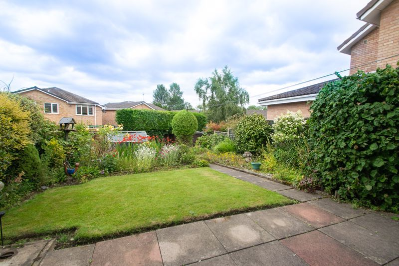 3 bed house for sale in Oxenton Croft 12
