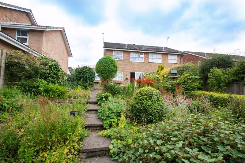 3 bed house for sale in Oxenton Croft 13