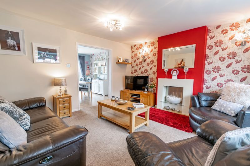 4 bed house for sale in Church Down Close  - Property Image 2