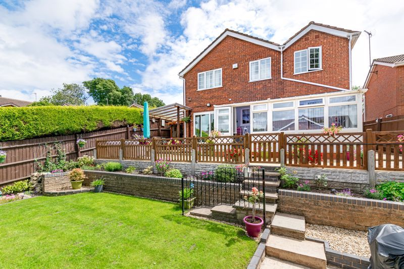 4 bed house for sale in Church Down Close 13