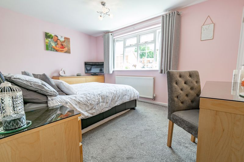4 bed house for sale in Church Down Close 19