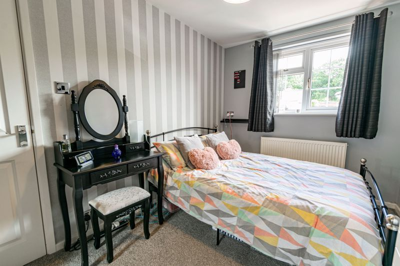 4 bed house for sale in Church Down Close 10