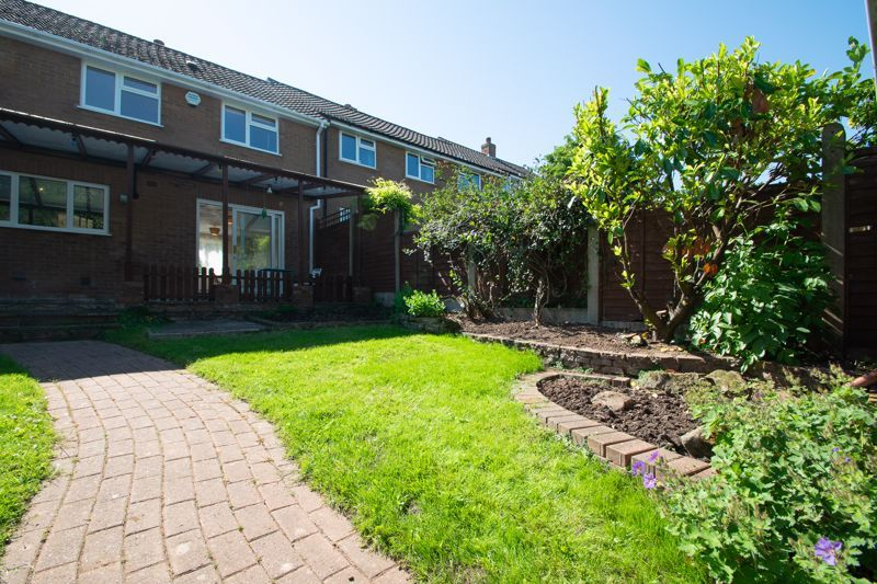 3 bed house for sale in Waverley Crescent 18