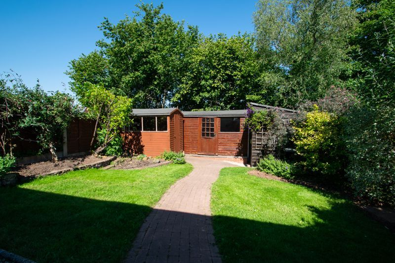 3 bed house for sale in Waverley Crescent 19