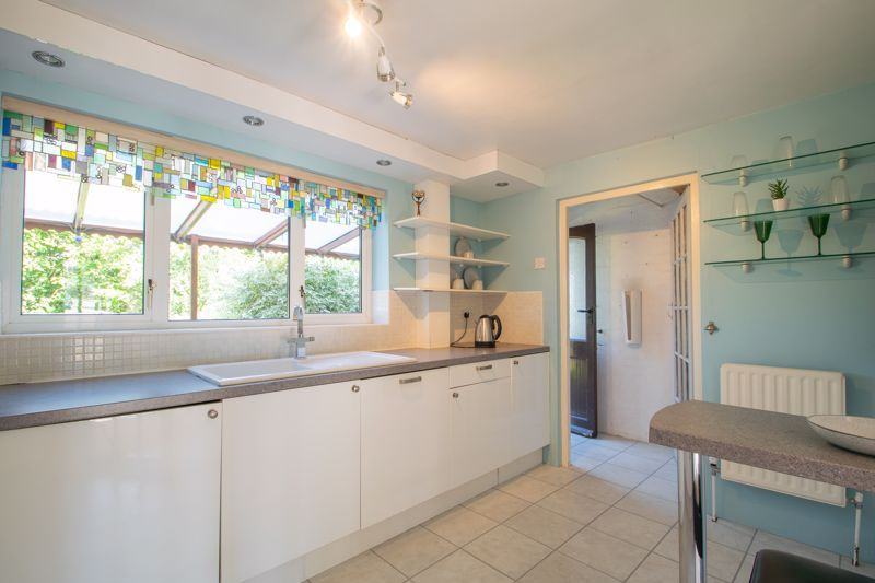 3 bed house for sale in Waverley Crescent 5