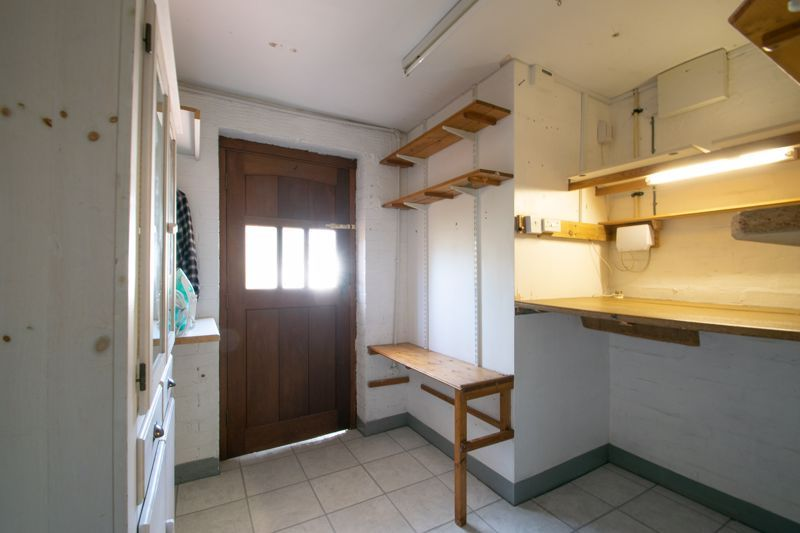 3 bed house for sale in Waverley Crescent 8