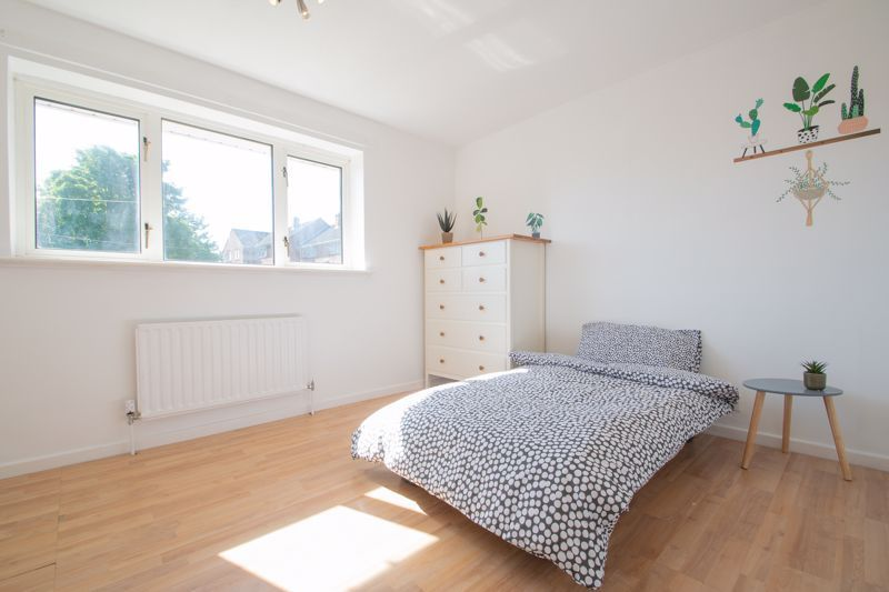 3 bed house for sale in Waverley Crescent 9