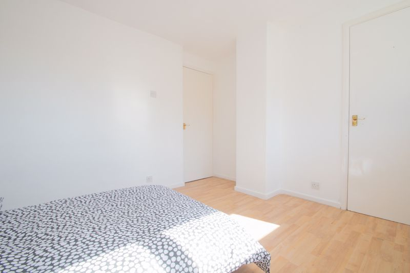 3 bed house for sale in Waverley Crescent 10