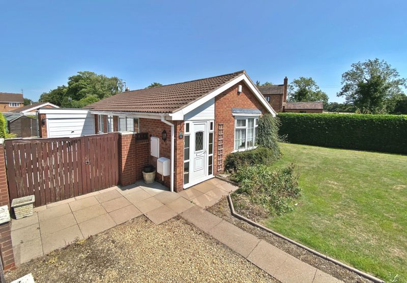 2 bed bungalow for sale in Verbena Close 1
