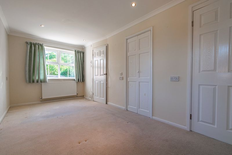 2 bed bungalow for sale in Verbena Close 8