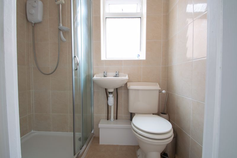 3 bed house for sale in Clyde Avenue 18