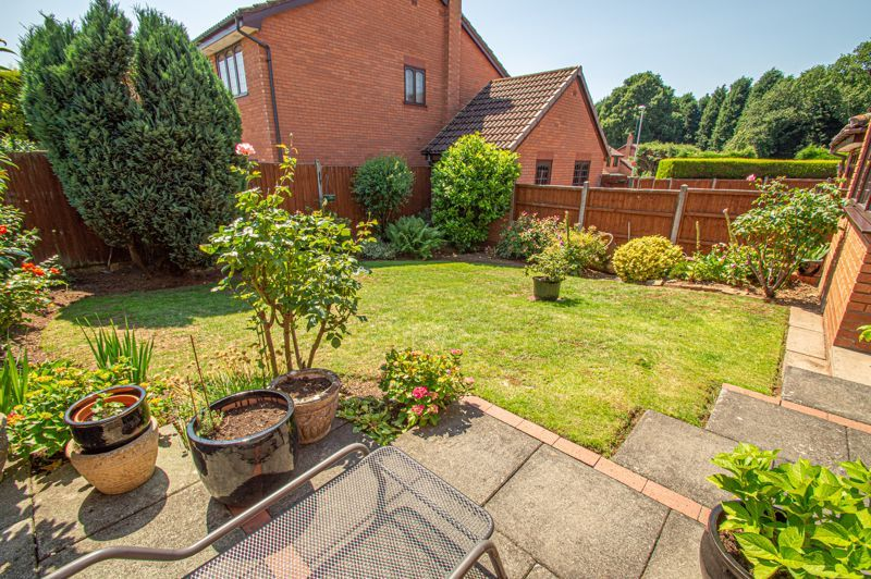3 bed house for sale in Barnetts Close  - Property Image 13