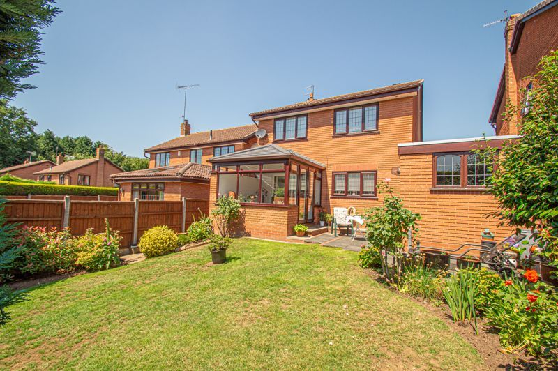 3 bed house for sale in Barnetts Close  - Property Image 14