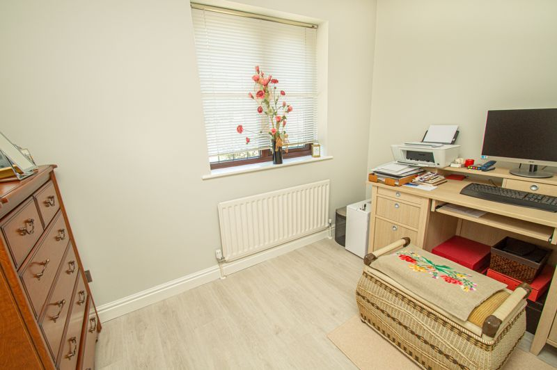 3 bed house for sale in Barnetts Close  - Property Image 15