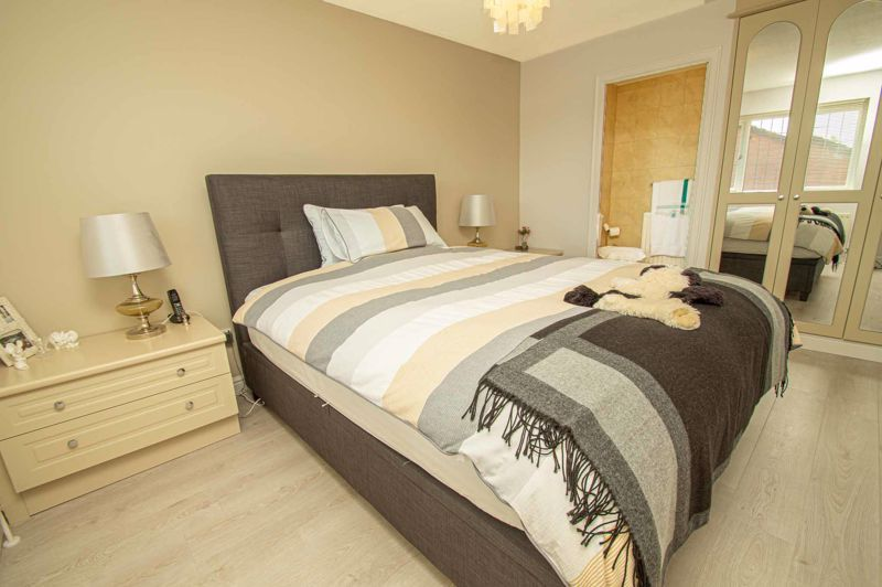 3 bed house for sale in Barnetts Close  - Property Image 17