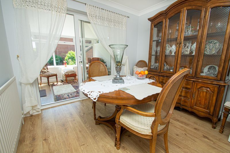 3 bed house for sale in Barnetts Close 4