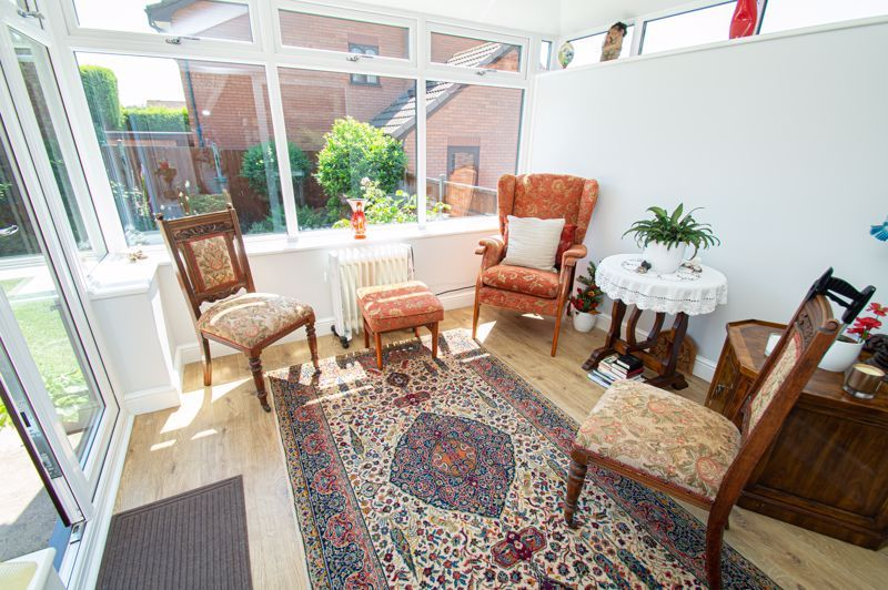 3 bed house for sale in Barnetts Close 5