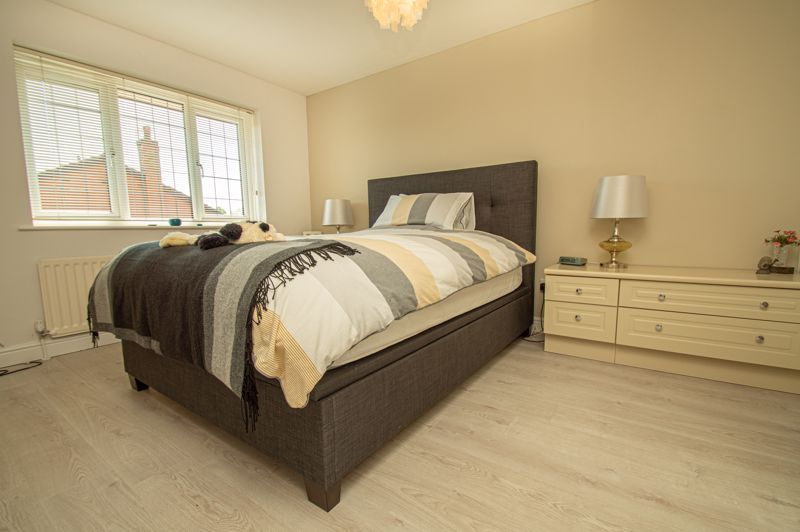 3 bed house for sale in Barnetts Close  - Property Image 8
