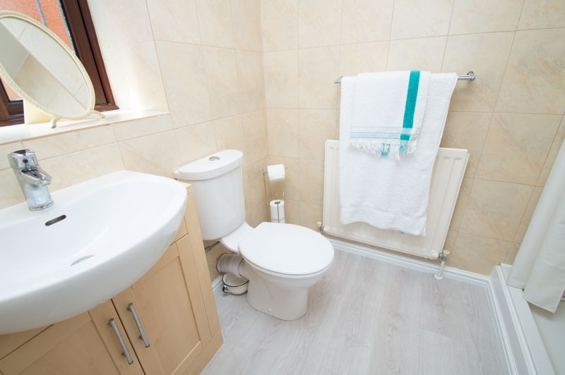 3 bed house for sale in Barnetts Close  - Property Image 10