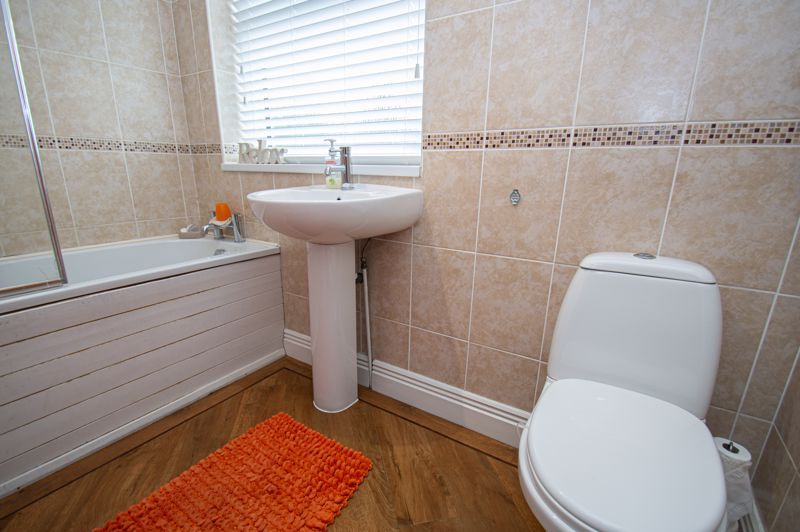 4 bed house for sale in Alvin Close  - Property Image 12