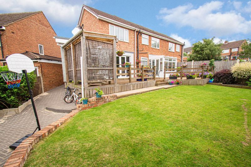 4 bed house for sale in Alvin Close  - Property Image 13