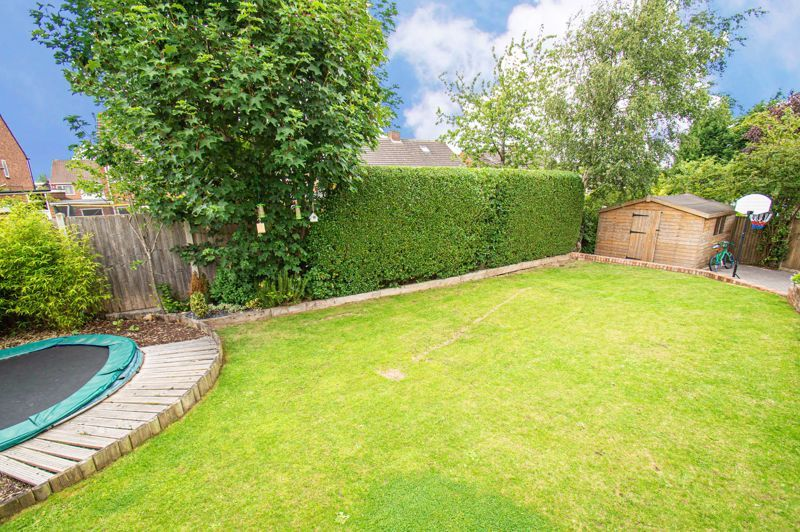 4 bed house for sale in Alvin Close 15