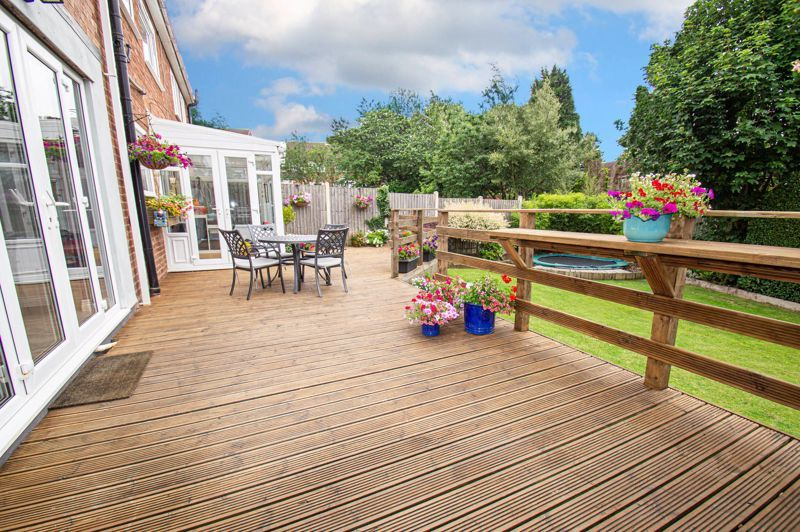 4 bed house for sale in Alvin Close  - Property Image 16