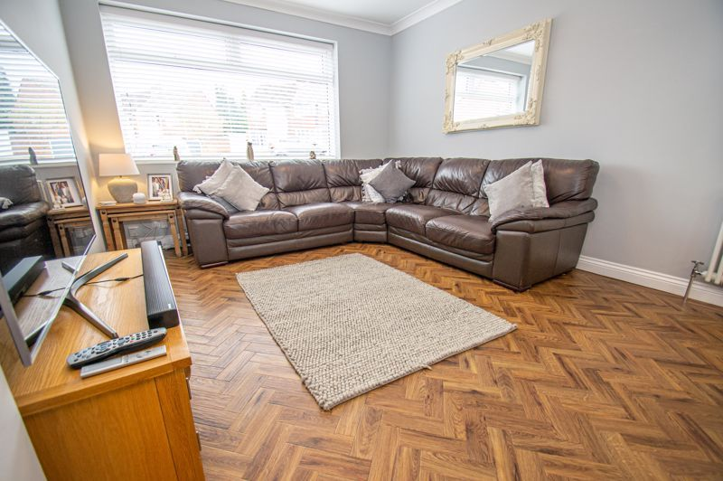 4 bed house for sale in Alvin Close 18