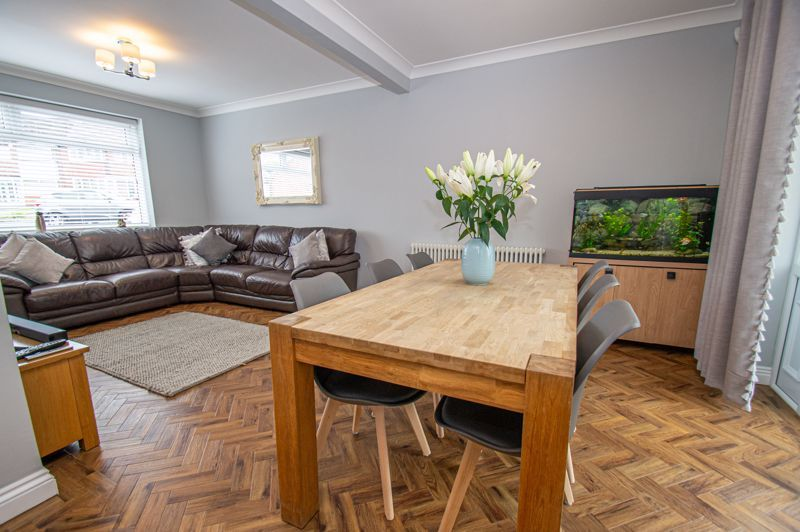 4 bed house for sale in Alvin Close 19