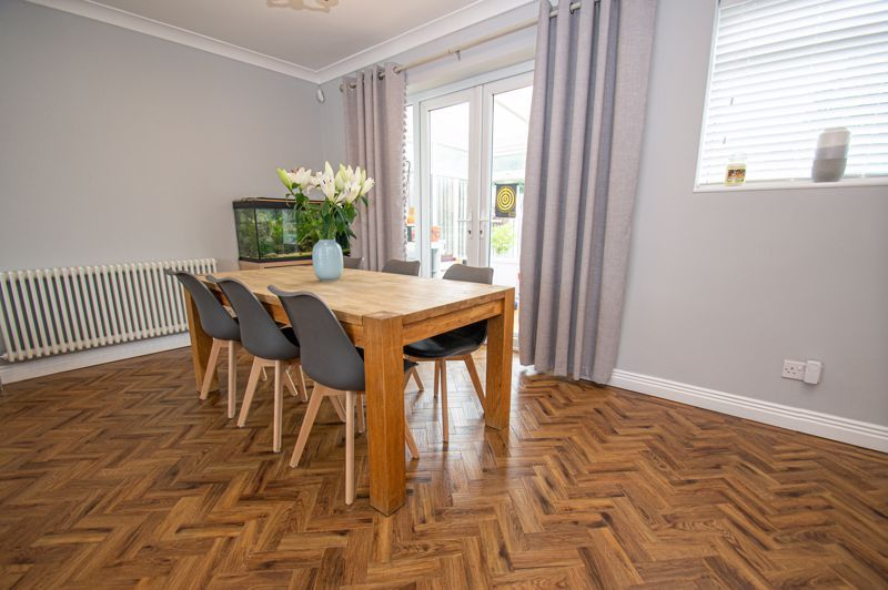 4 bed house for sale in Alvin Close 3