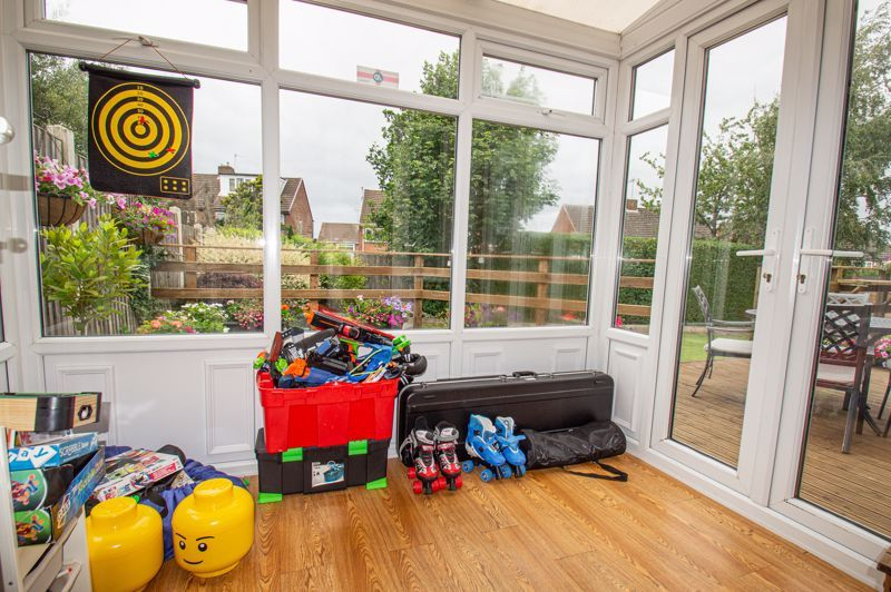 4 bed house for sale in Alvin Close  - Property Image 4