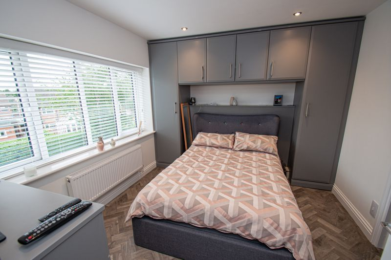 4 bed house for sale in Alvin Close  - Property Image 7