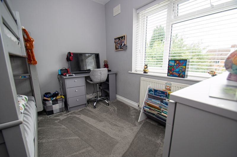 4 bed house for sale in Alvin Close  - Property Image 10