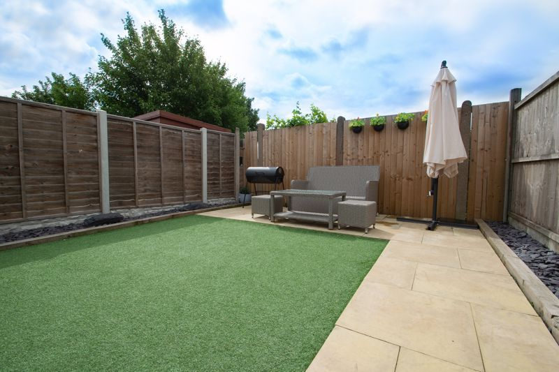 4 bed house for sale in Haden Close 12