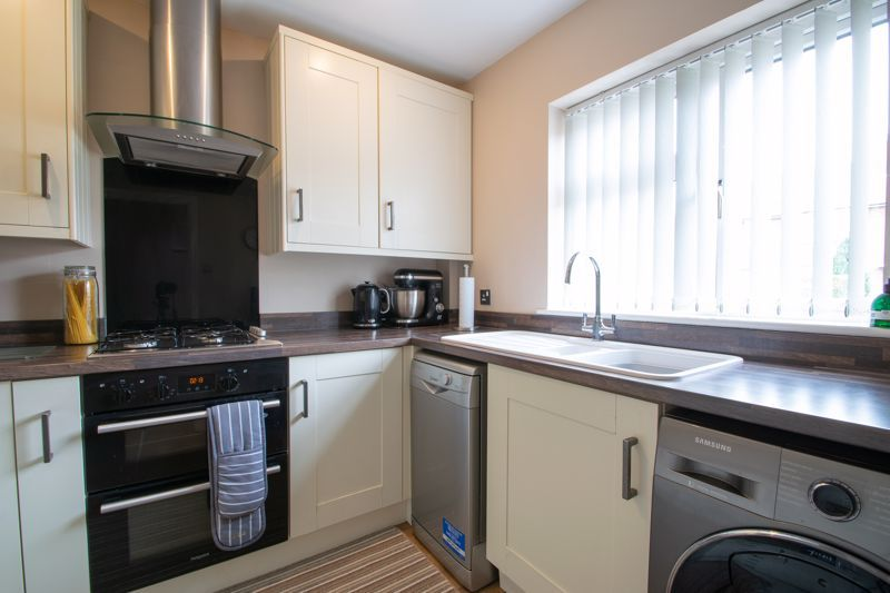 4 bed house for sale in Haden Close  - Property Image 15