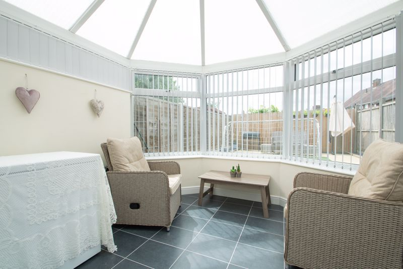 4 bed house for sale in Haden Close 17