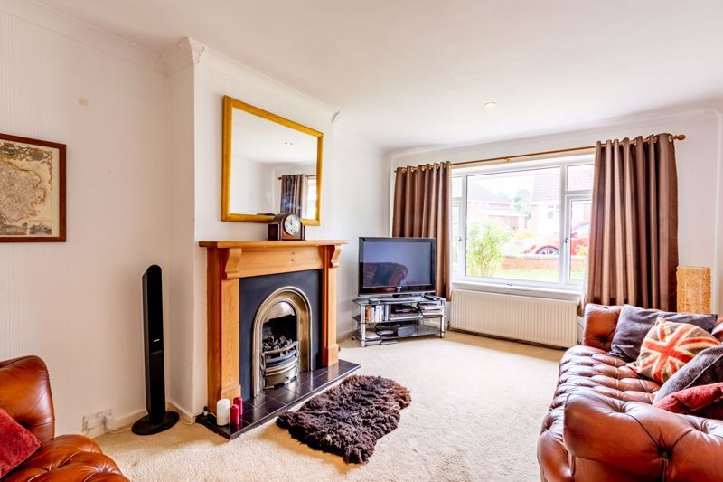 3 bed bungalow for sale in Clent View Road 2