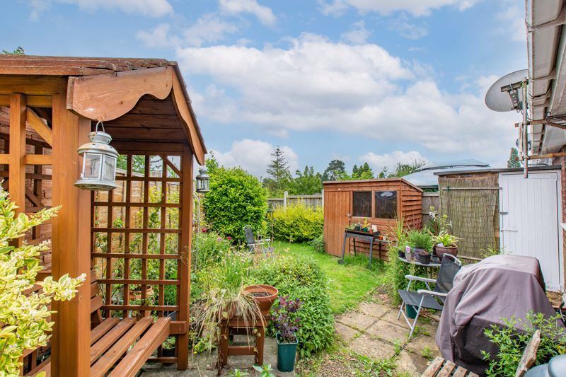 3 bed bungalow for sale in Clent View Road 12