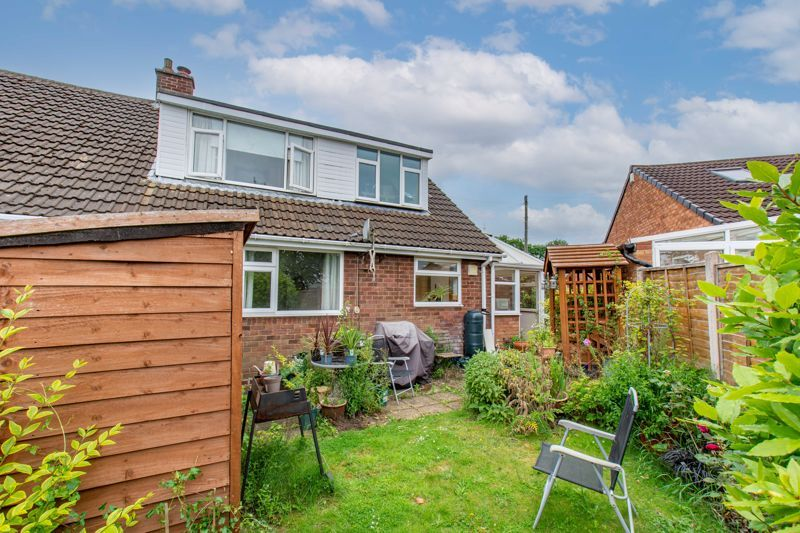 3 bed bungalow for sale in Clent View Road 13