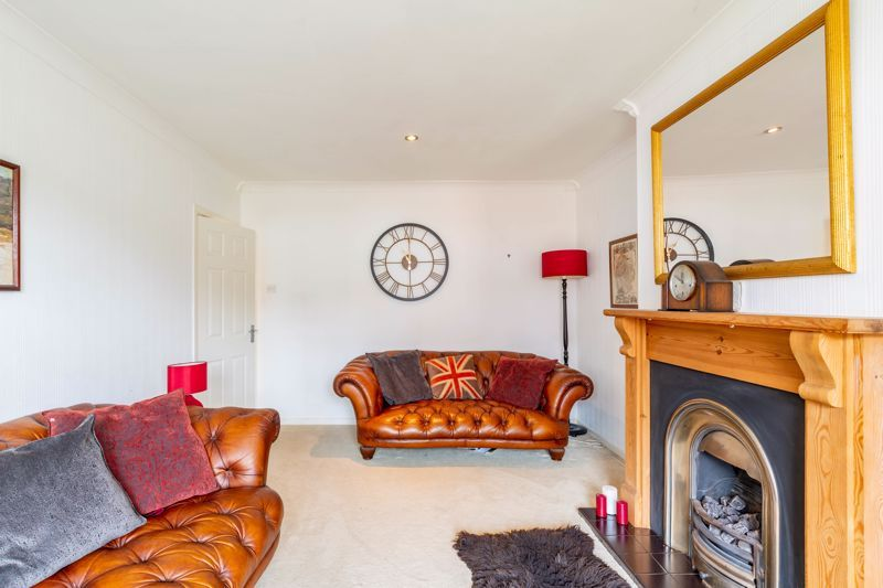 3 bed bungalow for sale in Clent View Road 14