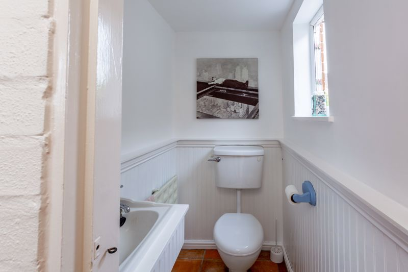 3 bed bungalow for sale in Clent View Road 6
