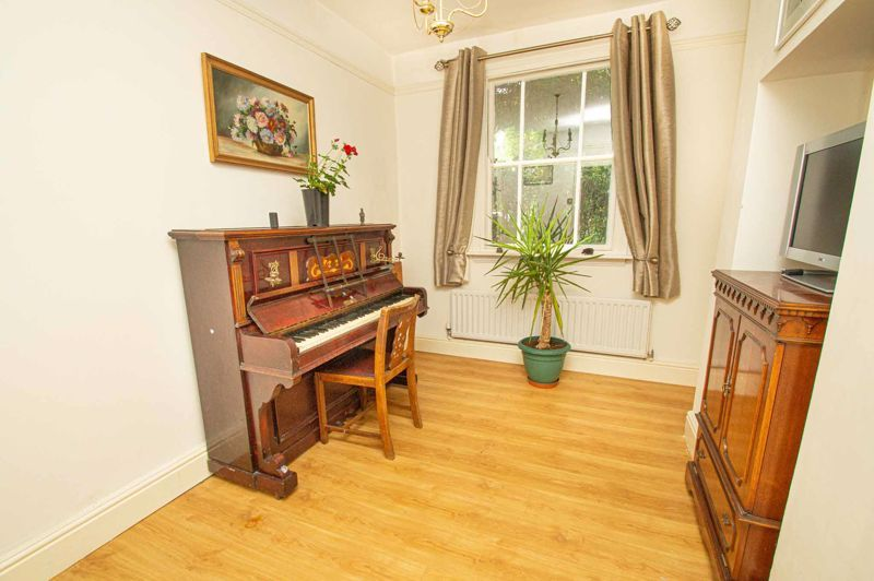 3 bed house for sale in Reservoir Road 4