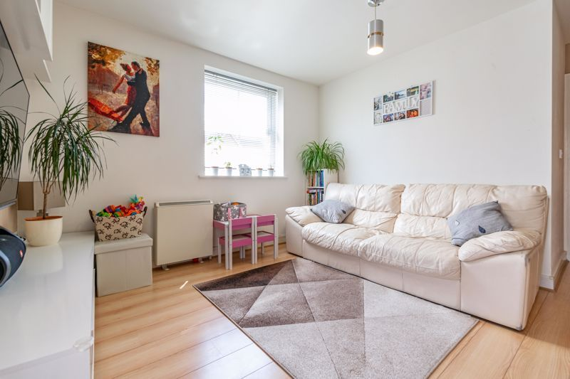 2 bed flat for sale in Pitchcombe Close 2