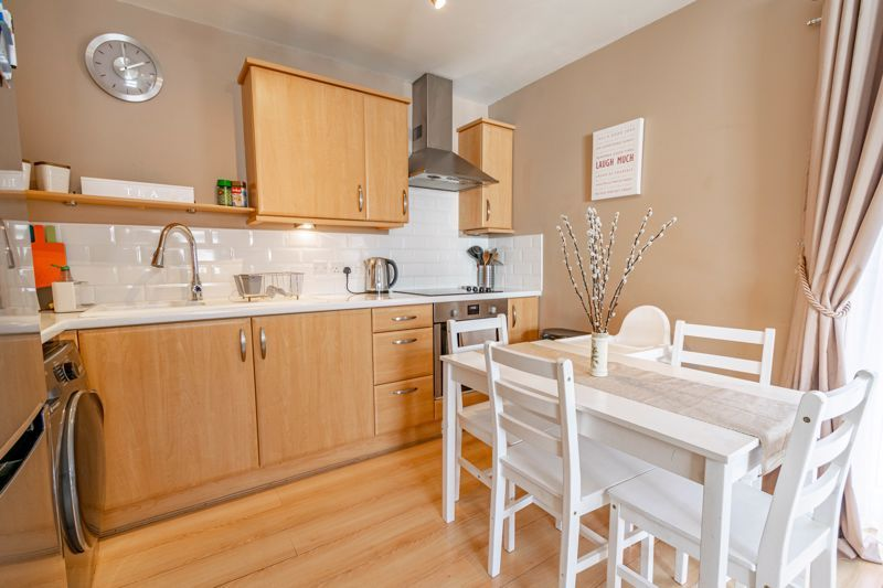 2 bed flat for sale in Pitchcombe Close  - Property Image 4